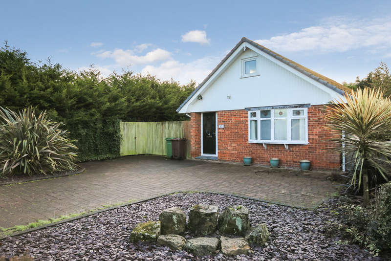 4 Bedrooms Detached Bungalow for sale in Caton Close, Marshside, Southport