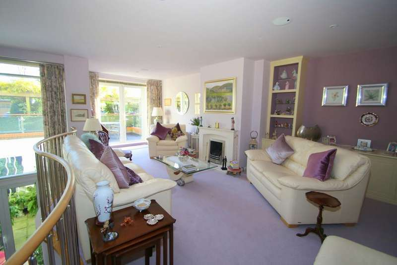 2 Bedrooms Apartment Flat for sale in Elmfield Place, Tenterden