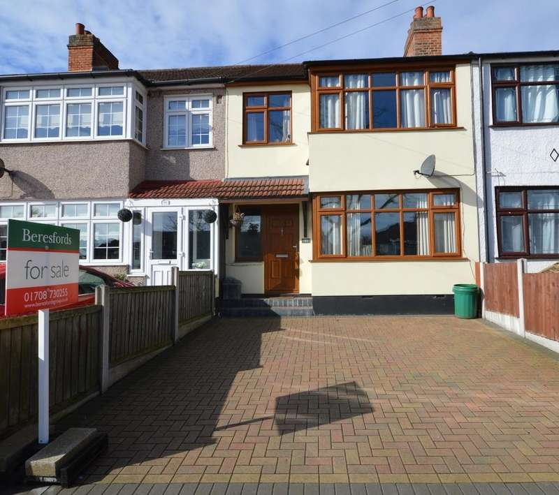 3 Bedrooms Terraced House for sale in Havering Road, Romford, RM1