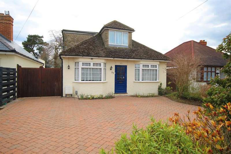4 Bedrooms Detached Bungalow for sale in Woodwaye, Woodley, Reading