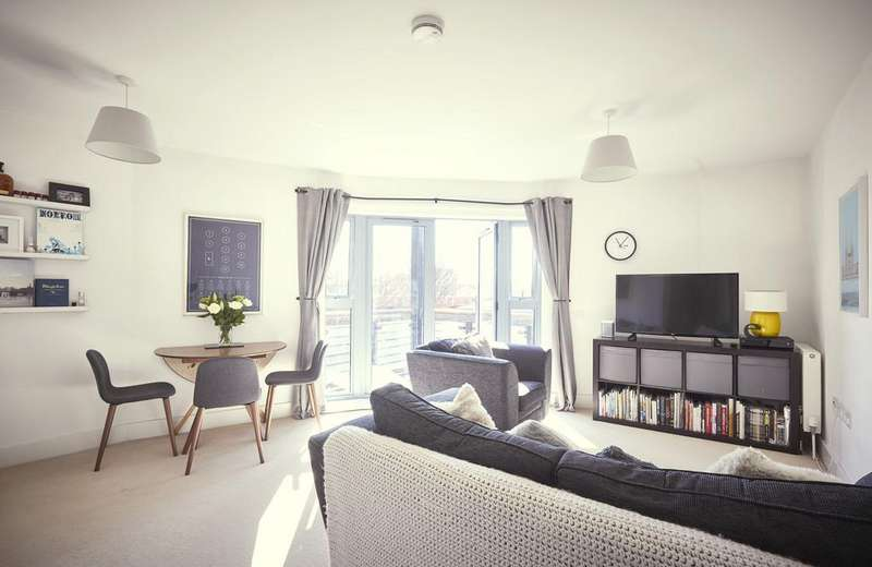2 Bedrooms Apartment Flat for sale in Pillfold House, Old Paradise Street, SE11