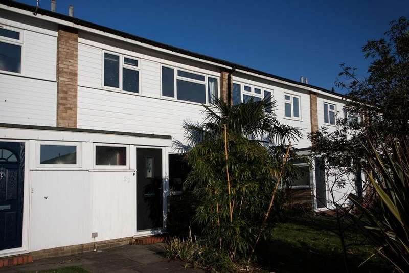 3 Bedrooms Terraced House for sale in Grasmere Way, Byfleet