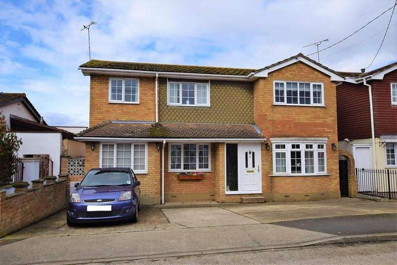 3 Bedrooms Detached House for sale in Church Parade, Canvey Island