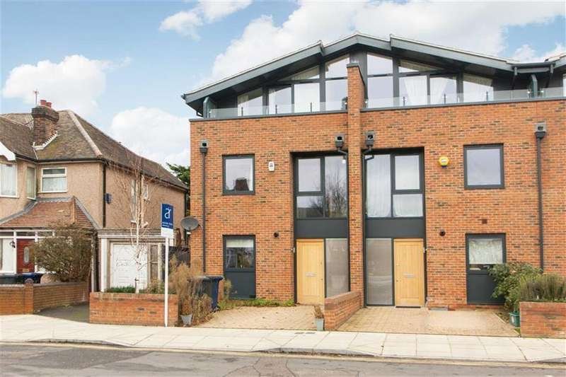 4 Bedrooms Semi Detached House for sale in Cloister Road, London