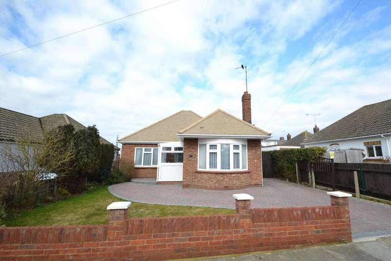3 Bedrooms Bungalow for sale in Holland Park, Holland-on-Sea, Clacton-on-Sea, CO15