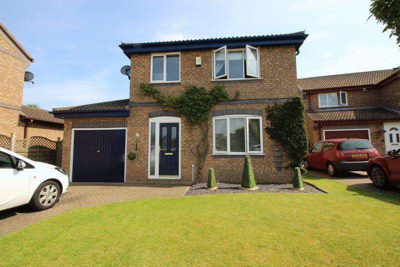 4 Bedrooms Detached House for sale in Sandpiper Close, Scarborough