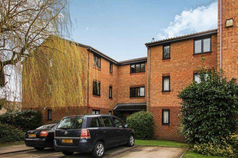 2 Bedrooms Apartment Flat for sale in Pempath Place, Wembley