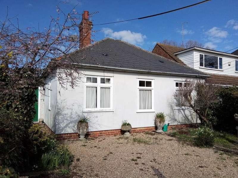 2 Bedrooms Detached Bungalow for sale in Grigg Lane, Headcorn