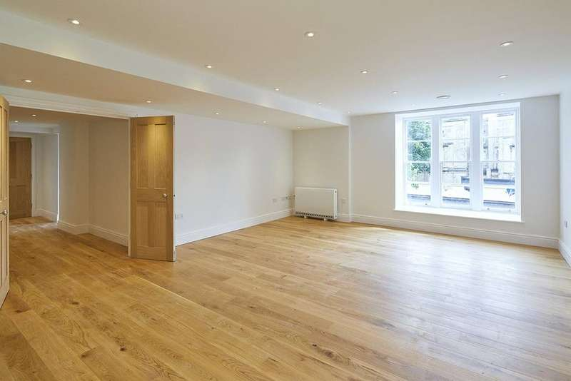 2 Bedrooms Flat for sale in Apartment 2, The Picture House Apartments, 44 Whiteladies Road, Bristol, BS8