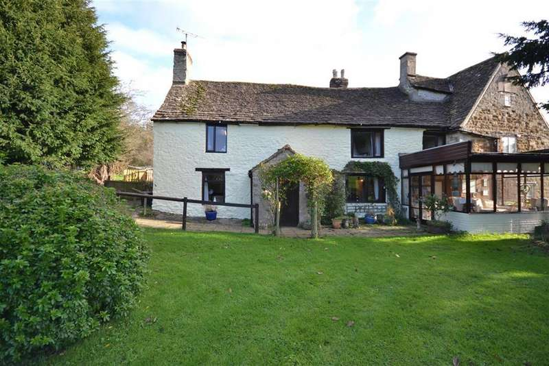 3 Bedrooms Semi Detached House for sale in Uley Road, Dursley, Gloucestershire, GL11 5AD