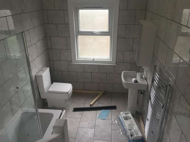2 Bedrooms Property for rent in Cowley Mill Rd, Uxbridge