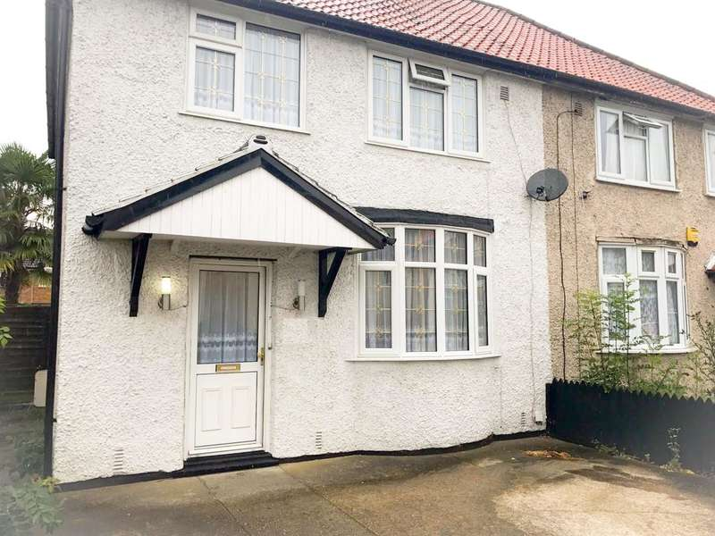 Semi Detached House for sale in York Ave,, Hayes