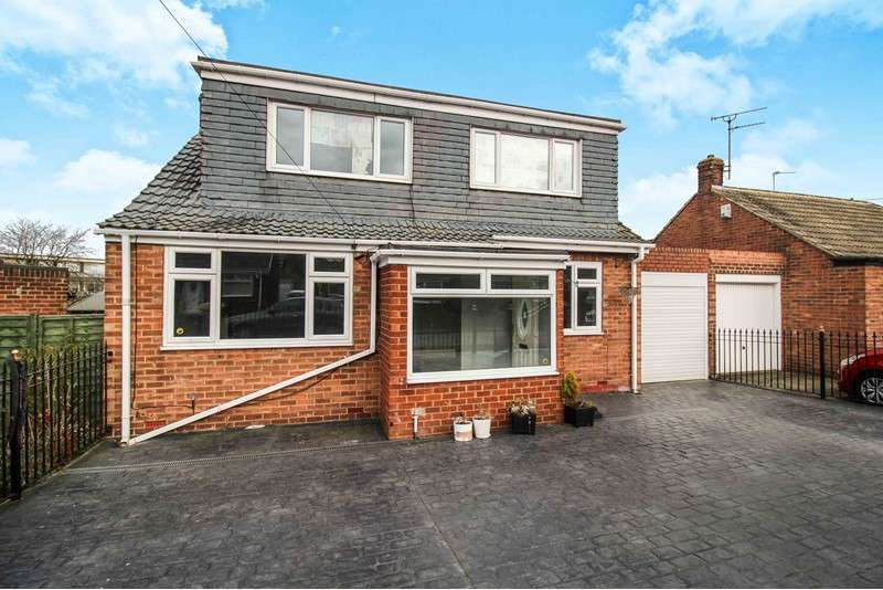 2 Bedrooms Bungalow for sale in Harlow Avenue, Newcastle upon Tyne, Tyne and Wear, NE3 2AS