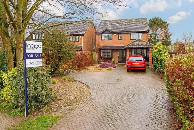 4 Bedrooms Detached House for sale in Manor Road, Barton-Le-Clay, Bedfordshire, MK45 4NU