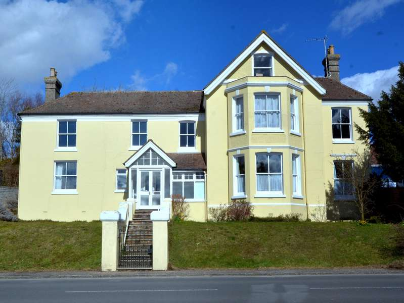 1 Bedroom Studio Flat for sale in Pulborough