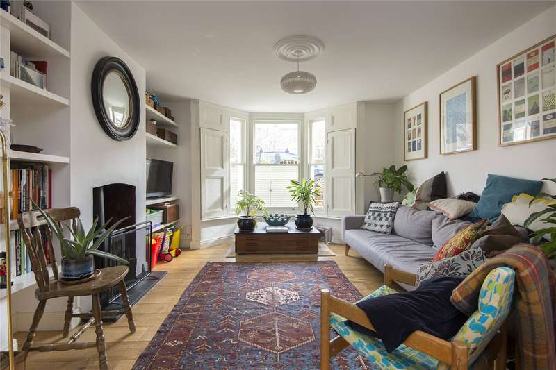 3 Bedrooms Flat for sale in Glyn Road, London, E5
