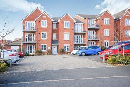 1 Bedroom Flat for sale in 19 Albert Way, East Cowes, Isle Of Wight
