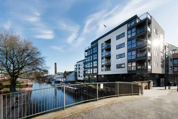 3 Bedrooms Flat for sale in Angel Wharf 168 Shepherdess Walk, Islington, N1