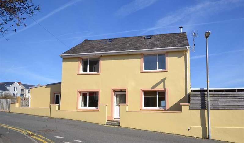 5 Bedrooms Detached House for sale in Hakin, Milford Haven