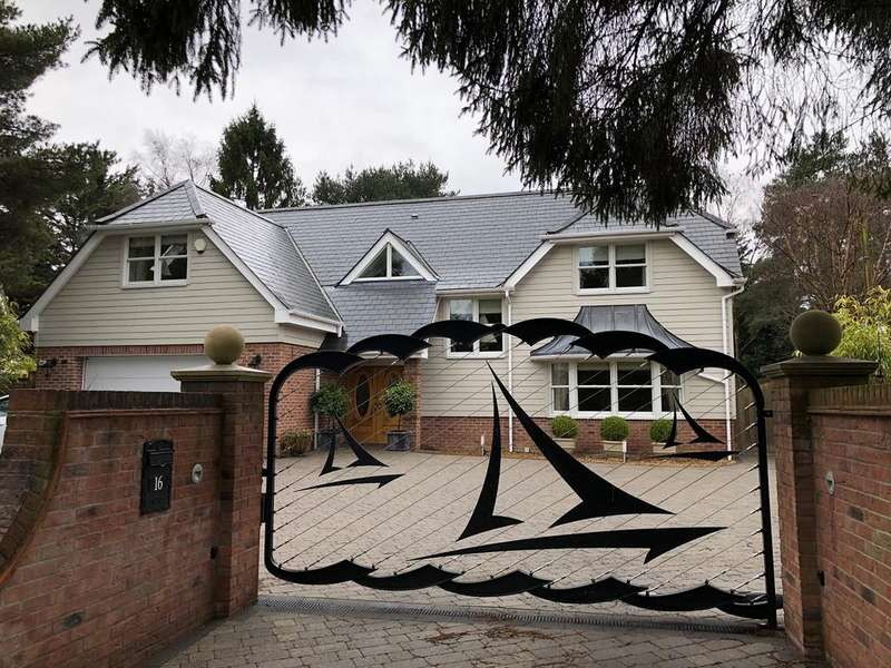 4 Bedrooms Detached House for sale in ASHLEY DRIVE NORTH, ASHLEY HEATH BH24