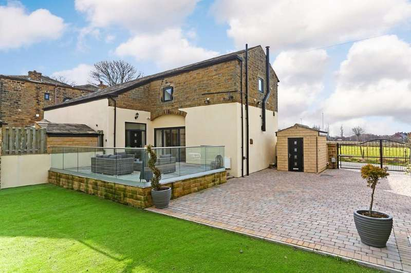 4 Bedrooms Barn Conversion Character Property for sale in Bradford Road, Tingley