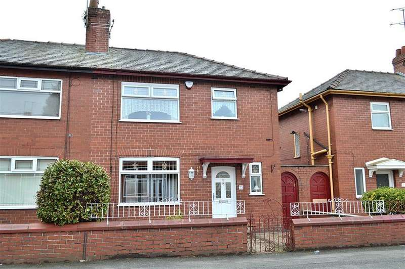3 Bedrooms Semi Detached House for sale in Hadfield Street, Hathershaw, Oldham, OL8 3EE
