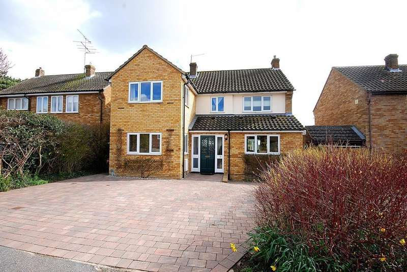 4 Bedrooms Detached House for sale in Wentworth Meadows, Maldon, Essex, CM9