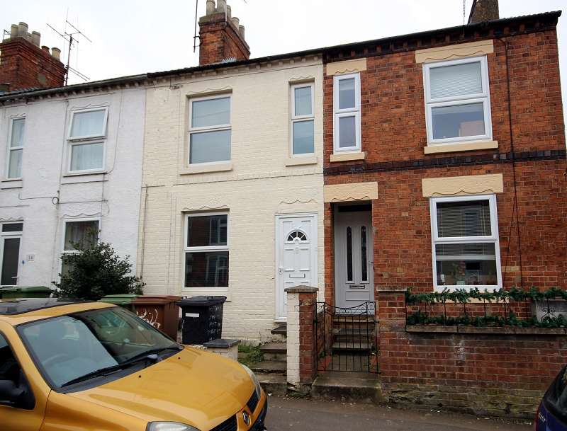 3 Bedrooms Terraced House for rent in Poplar Street, Wellingborough, Northamptonshire. NN8 4EW