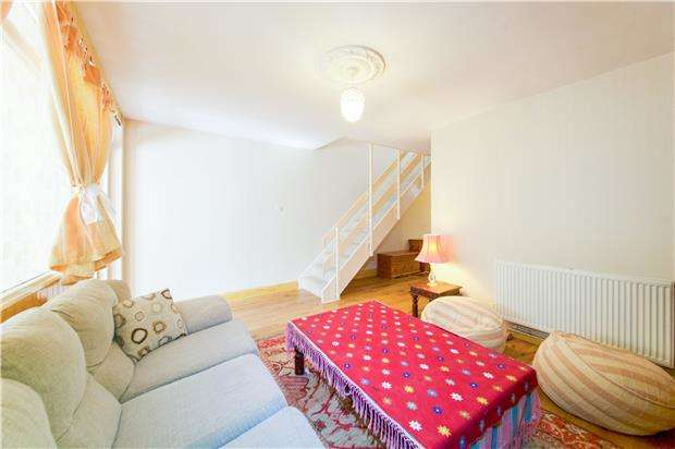3 Bedrooms Terraced House for sale in Linstead Way, LONDON, SW18 5QB