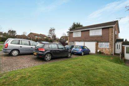 3 Bedrooms Semi Detached House for sale in Weltmore Road, Luton, Bedfordshire, Bramingham