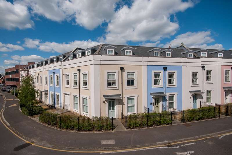 2 Bedrooms Apartment Flat for sale in Currington House, 23 Warren Road, Reigate, Surrey, RH2
