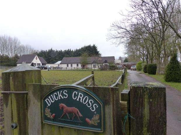 2 Bedrooms Semi Detached Bungalow for rent in Ducks Cross Farm, Colesden Road, Wilden