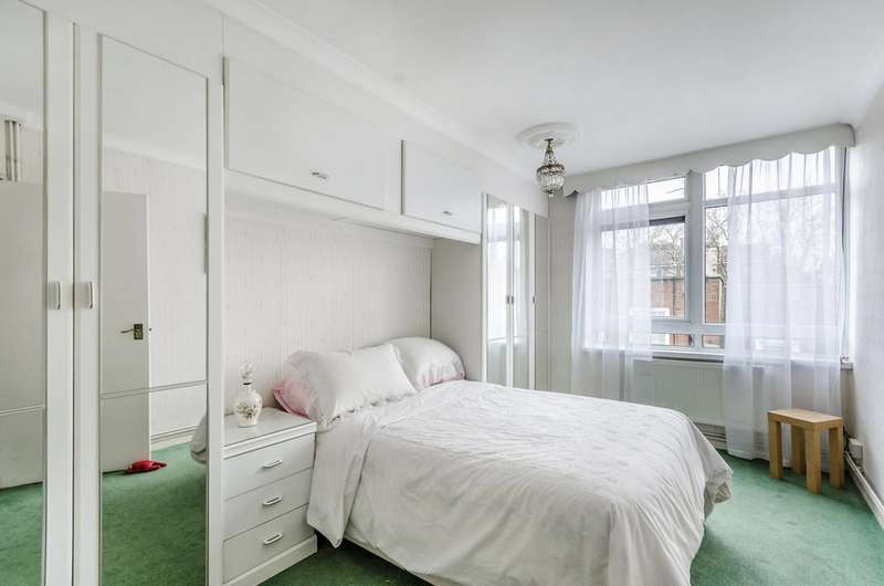 3 Bedrooms Maisonette Flat for sale in Boswell Street, Holborn, WC1N