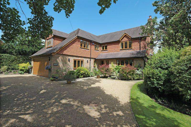 5 Bedrooms Detached House for sale in Off Beacon road, Crowborough, East Sussex