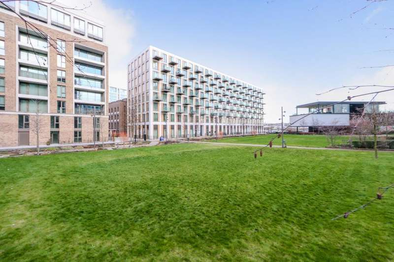 2 Bedrooms Apartment Flat for sale in Thameside House, Royal Wharf, E16