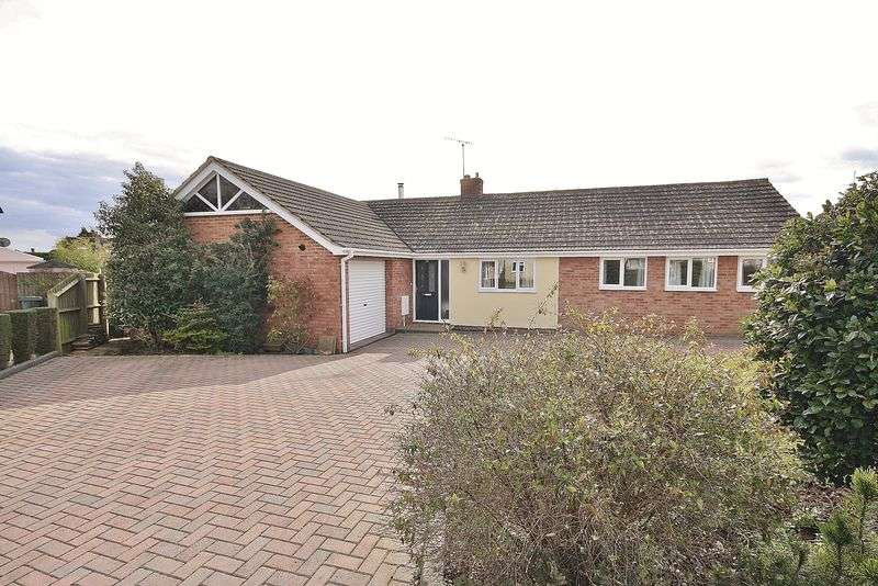 4 Bedrooms Property for sale in Early Road, Witney