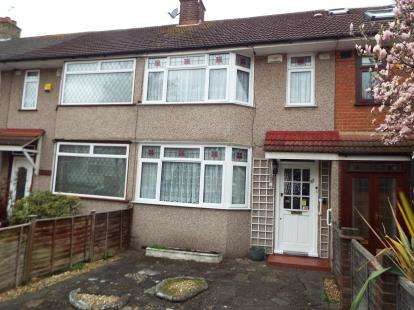 3 Bedrooms Terraced House for sale in Woodford Bridge, Essex