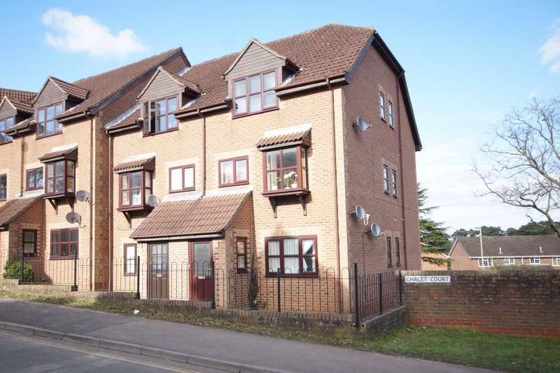 1 Bedroom Flat for sale in Chalet Court, Bordon, GU35
