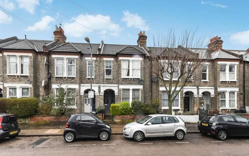 2 Bedrooms Flat for sale in Avarn Road, London SW17