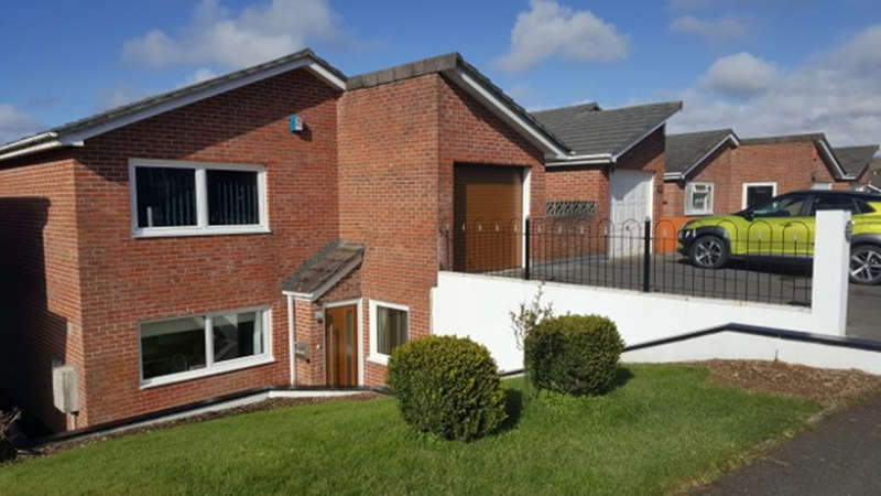 4 Bedrooms Detached House for sale in Dunraven Drive, Plymouth