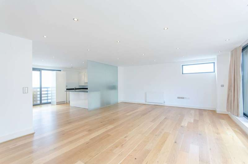 2 Bedrooms Penthouse Flat for rent in Bermondsey Wall West, Shad Thames, SE16