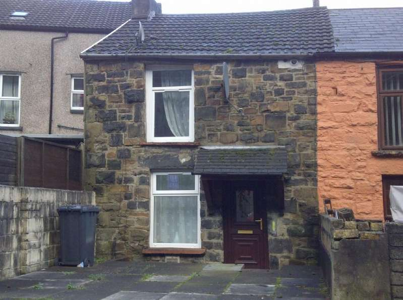 2 Bedrooms Terraced House for rent in Bridge Street, Abertillery. NP13 1UB