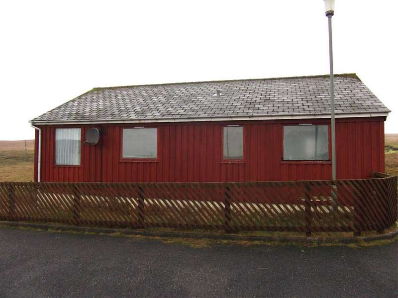 2 Bedrooms Detached Bungalow for sale in 2 Ferryview, Shetland, ZE2 9BD