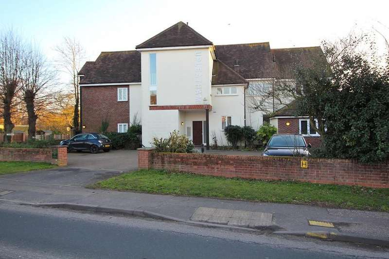 3 Bedrooms Penthouse Flat for sale in Upleatham House, Roxwell Road, Chelmsford, Essex, CM1