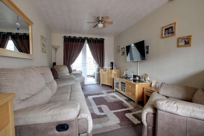 2 Bedrooms End Of Terrace House for sale in Bramley Road, Wisbech