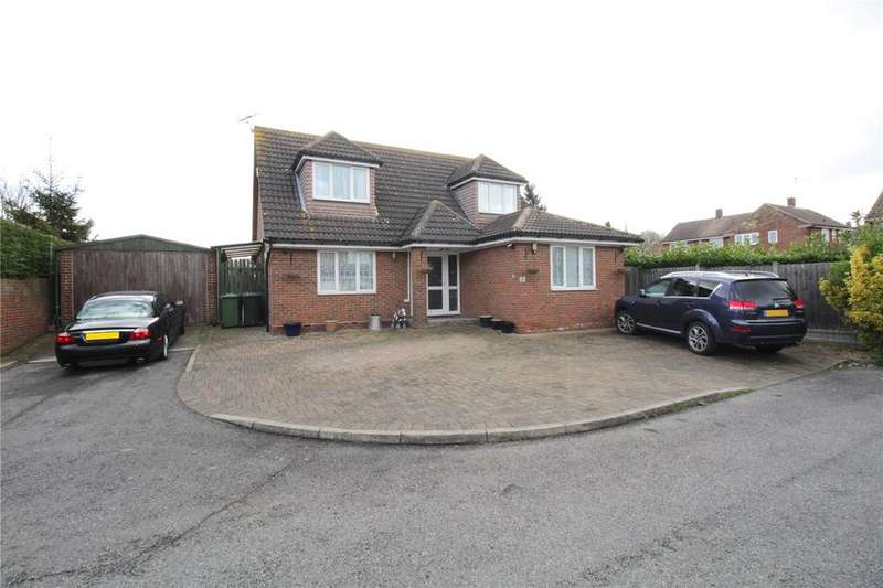 3 Bedrooms Detached House for sale in Elverston Close, Laindon, Essex, SS15
