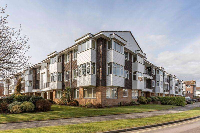 2 Bedrooms Apartment Flat for sale in Woodville Drive, Portsmouth