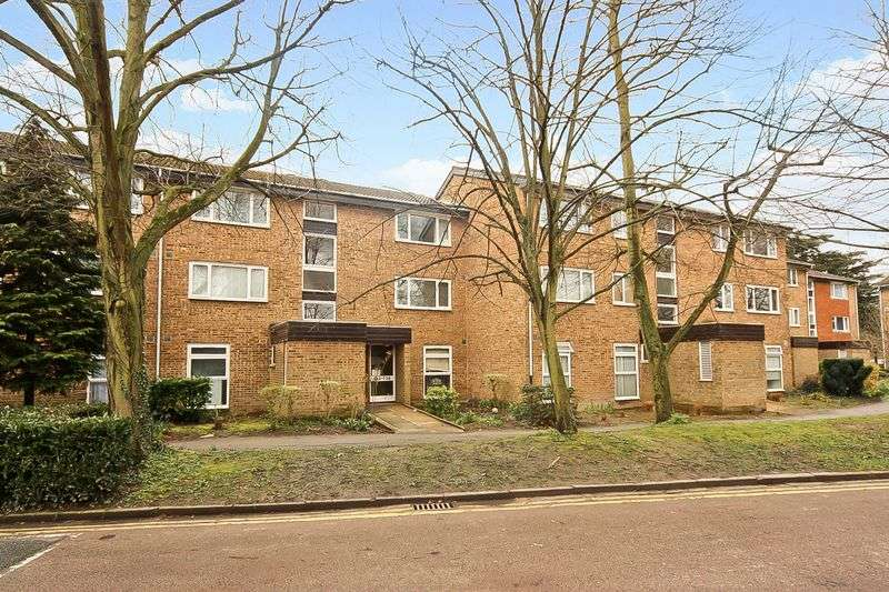 1 Bedroom Property for sale in Buckingham Avenue, Greenford