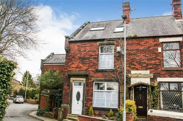 2 Bedrooms Terraced House for sale in Queens Place, Bury, Lancashire