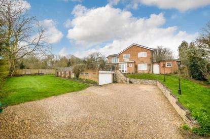 6 Bedrooms Detached House for sale in Wood End Road, Cranfield, Bedford, Bedfordshire